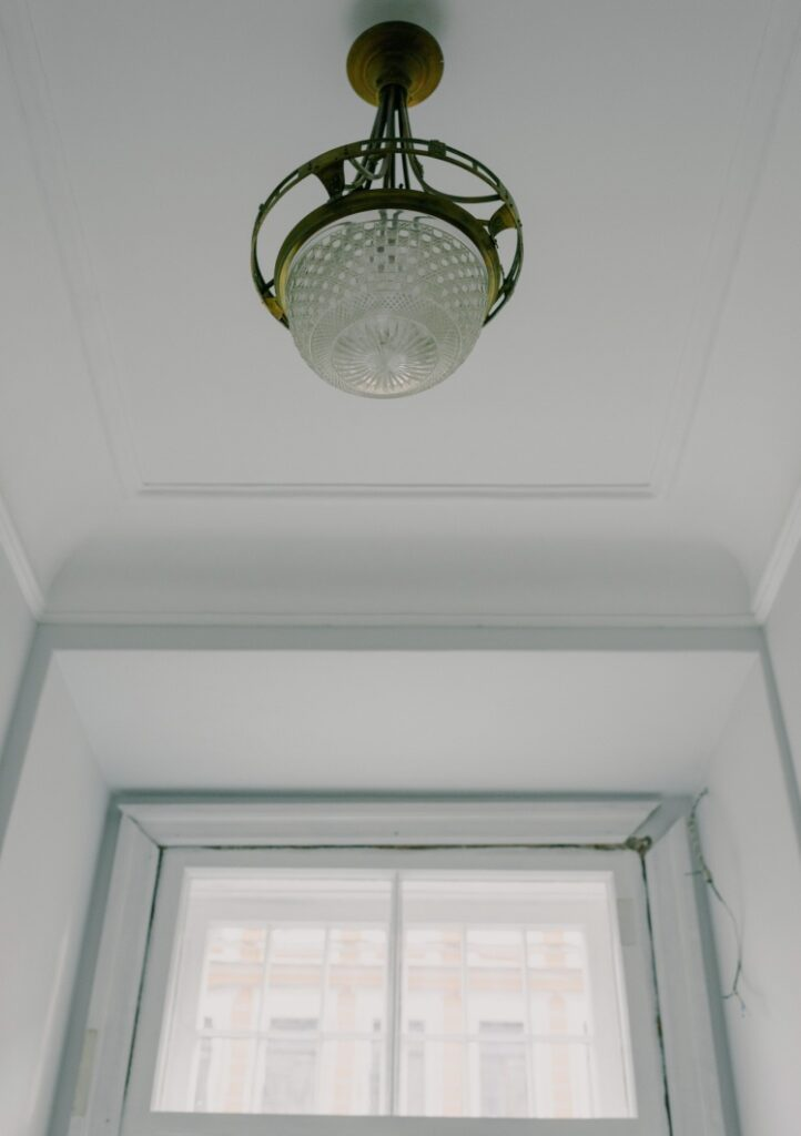 Material of ceiling textures